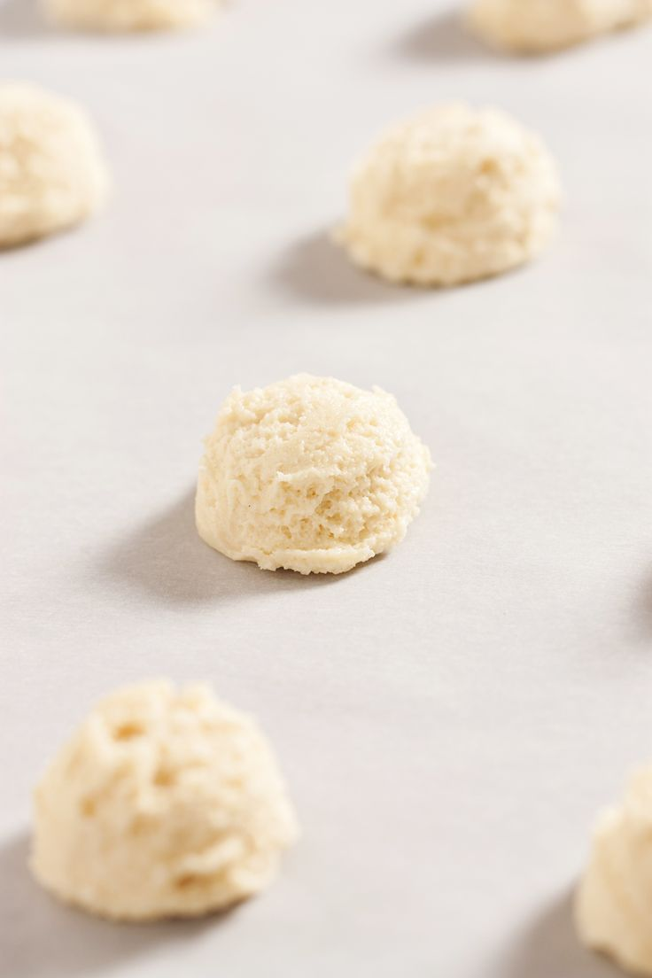 No-roll, no-cut, and no-chill Amish sugar cookies will become your go-to recipe for your next potluck or bake sale. This modern adaptation of Amish sugar co