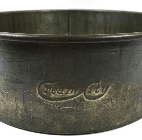 Vintage Embossed Cream City Springform Cake Pan from Milwaukee, WI.  - Vintage kitchenware and bakeware at shopvintagegrace.com