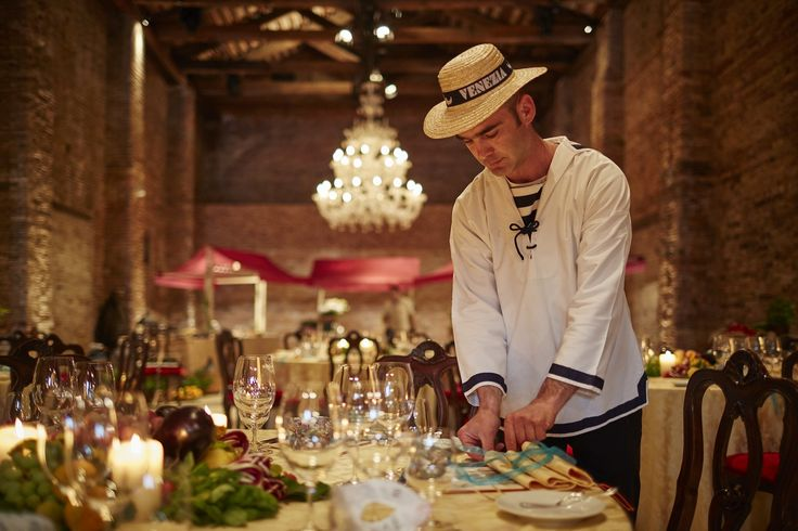 An exclusive Venetian-style banquet in the Granai