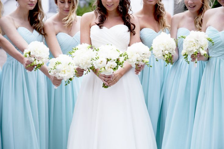 wedding photography bridesmaids flowers
