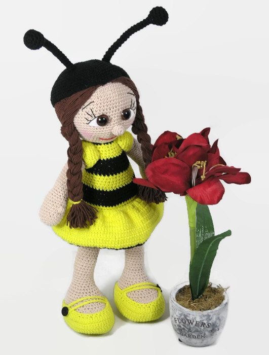 Amigurumi Bee Girl : 1000+ ideas about Crochet Bee on Pinterest Crochet Bear ...