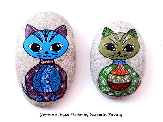 Hand Painted Stones – Tangle Design Kittens
