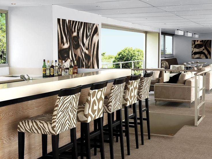 Zambezi Queen Bar and Lounge