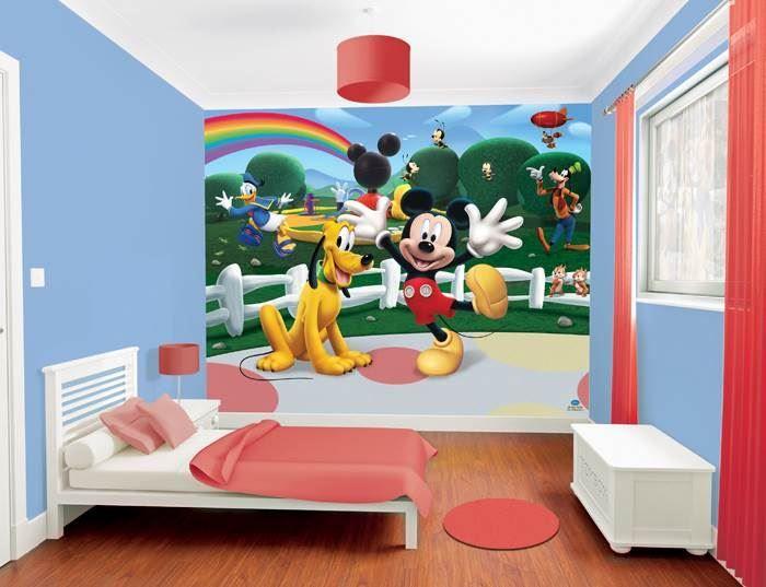 Wall-By-Wall | Mickey Mouse fotobehang.Speciaal ontwikkeld behangpapier voor de decoratie van kinderkamers! Mickey Mouse samen met zijn vrienden Pluto, Goofy, Donald Duck en Knabbel & Babbel.