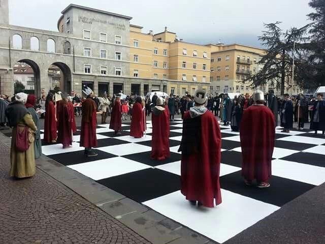 Partita scacchi viventi 15.02.2015