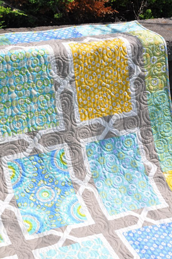 Spanish Tiles Quilt | Trends and Traditions. I do like the Living Largepatterns.