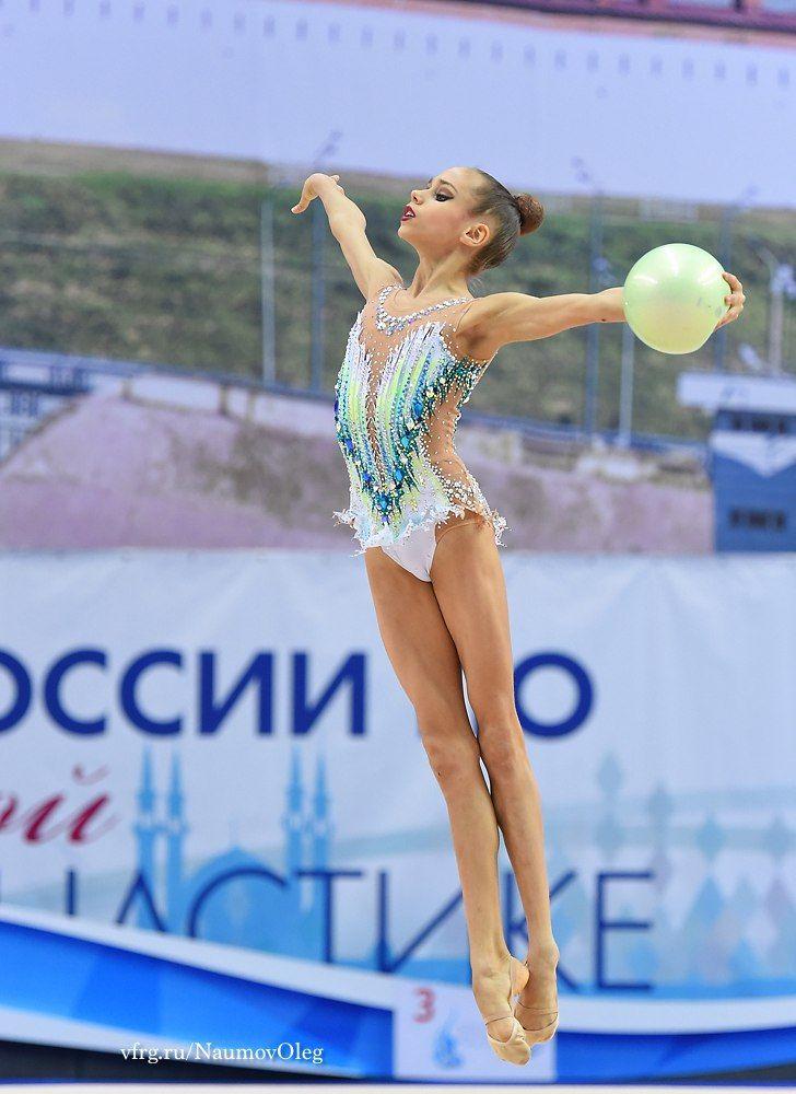 GUZENKOVA Anastasia (RUS) 2002