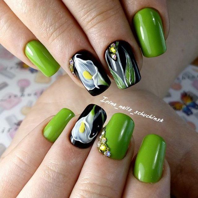 Дизайн ногтей с цветами - каллы.