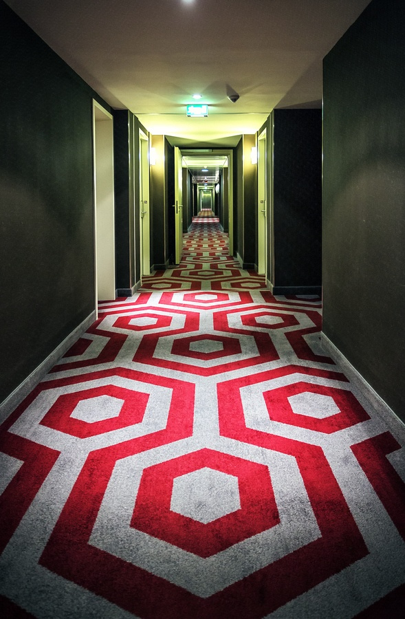 Red Hallway by Chaluntorn Preeyasombat, via 500px