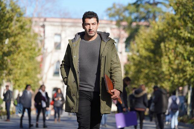 The Protagonist Of Ezel About To Release A New Series The Handsome Actor Kenan Imirzalioglu Who Currently Presents Handsome Actors Protagonist New Series