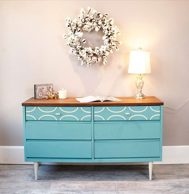Celebrating Annie Sloan Stockists worldwide! This painted piece is Kate & Co. in Sun Prairie, Wisconsin.