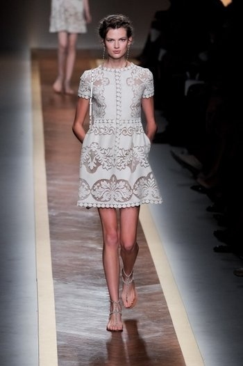 Oh Valentino....you take my breath away.  Paris Fashion Week, Valentino's SS 2012 collection