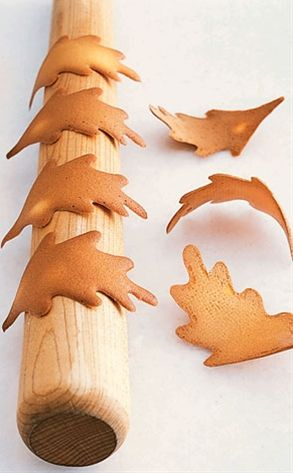 Falling Leaves cookies. I love this idea! These could even be scattered across the Thanksgiving table, or hung by thread on a bare tree branch! Fun!