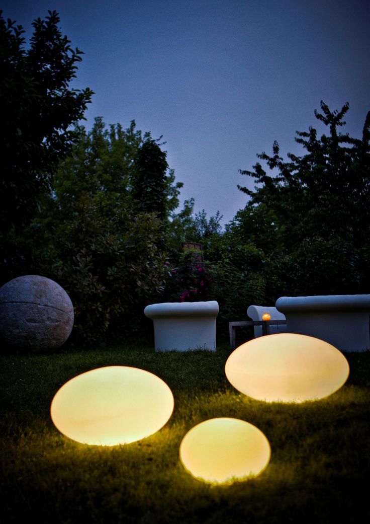 Eggy Pop Outdoor Lighting. Fantastic Idea!
