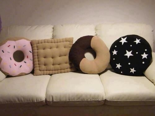 Biscuit pillows