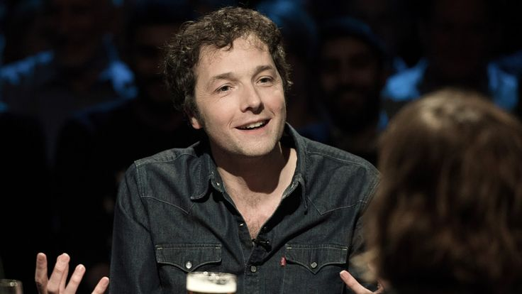 cool British comedian/ actor Chris Addison to direct 'Scoundrels' remake