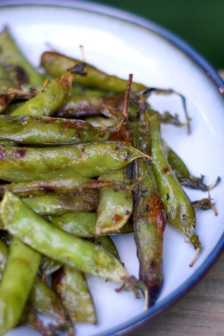 Roasted Sugar Snap Peas with Thyme Preheat oven to 400. Toss peas with ...
