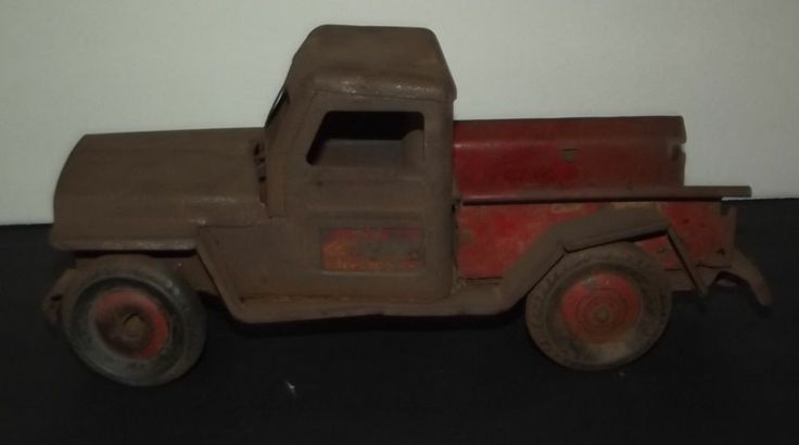 Rare Vintage Marx Pressed Steel Towing Service Tow Truck Diecast Toy Toy Trucks Metal Toys
