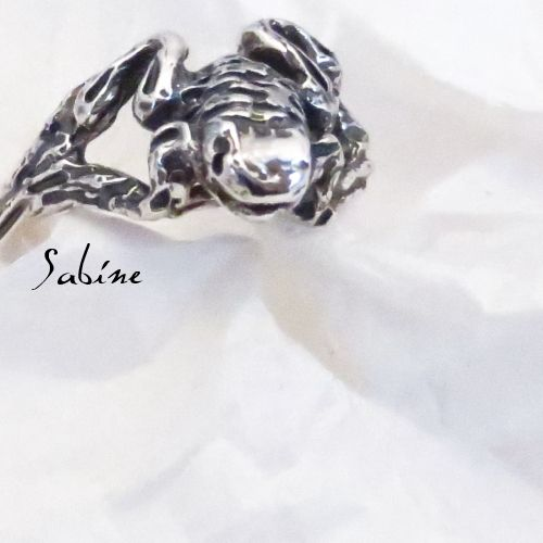 sterling silver frog ring  www.sabinejewellery.com.au