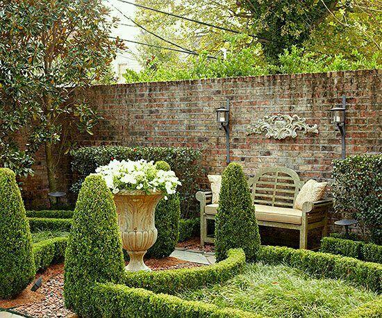 Co Co's Collection: Formal garden elevates small space NOLA