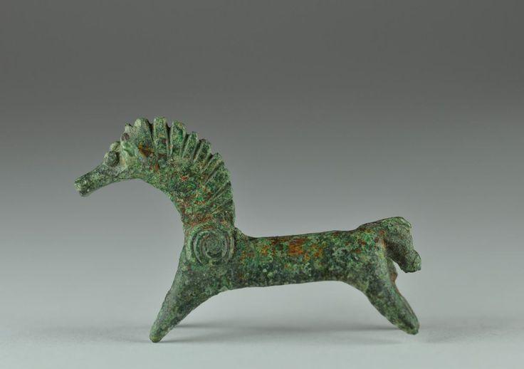Amlash bronze horse, 1st millenium B.C. Amlash bronze horse, 4.6 cm long. Private collection