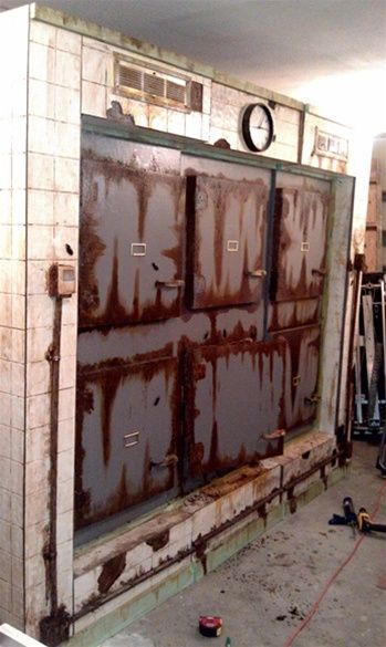 8 foot 3 section six door morgue great idea pic for replicating love the - Halloween Prop Ideas