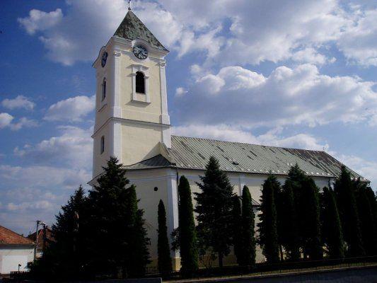 Oslany_kostol.jpg