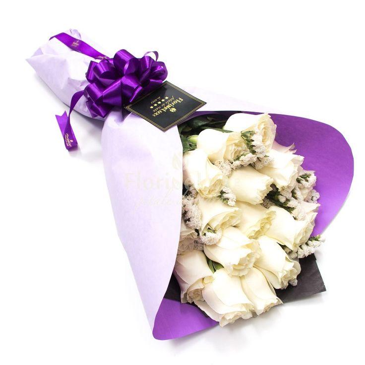 Transforma-le ziua intr-o sclipire de iubire cu buchetul nostru din trandafiri albi stralucitori. Folosim cei mai fresh trandafiri, cele mai elegante decoratiuni si avem cea mai rapida livrare flori oriunde in Romania! % DISCOUNT % -70 RON https://www.floridelux.ro/buchet-19-trandafiri-albi-stralucitori.html