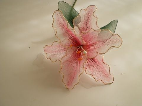 ▶ Tutorial Lirio de Nylon - How to make a nylon flower: Lily - YouTube