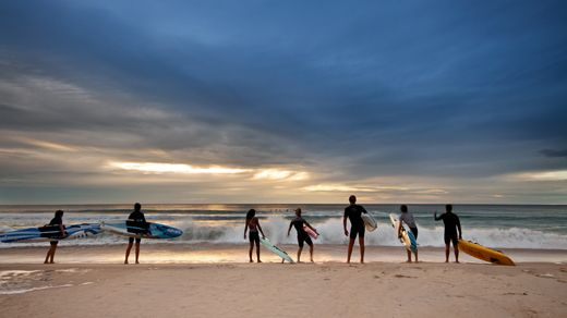 The beginning of an epic adventure - Surfers standig in front of the beach #surfers #surf #waves #kilroy
