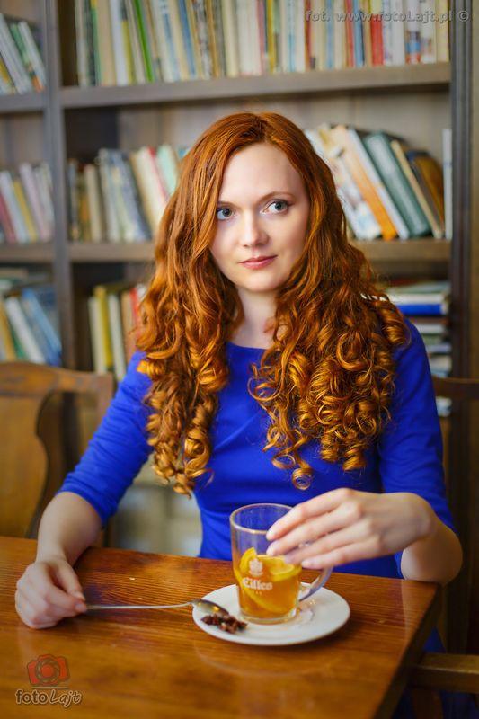 #Gdańsk #redhead #fashion #photography #zdjecie #rudewłosy #kobieta #dziewczyna #woman #girl #fotolajt #długie #włosy #longhair #curlyhead #kawiarnia #sesja