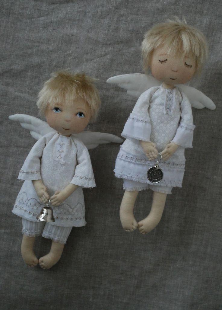Que Lindos Angelitos Hecho En Tela,   Preciosos...:)