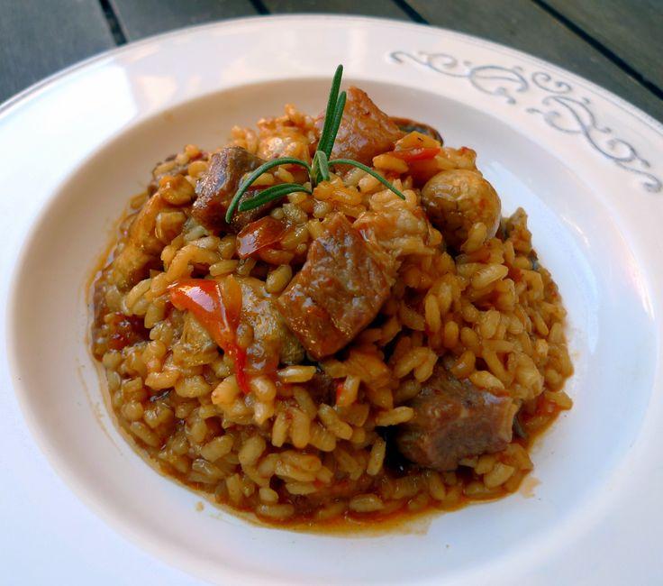 La receta de arroz con pollo y secreto de cerdo iberico que os mostramos a continuación es, sin duda, una de las mejores elaboraciones que hemos probado.
