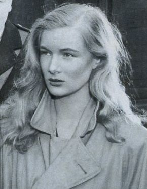 Veronica Lake, over sized jacket & relaxed curls