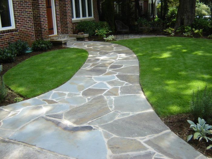 Irregular bluestone walkway walkways pinterest for Stone path in grass
