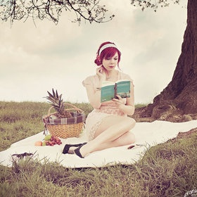 books, headbands, bows, and dresses all look cute at a picnic!