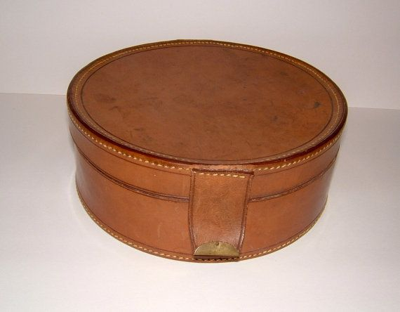1930s John Pound & Co Leather Collar Case