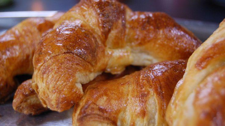 Frasiga, nygräddade och hemgjorda croissanter