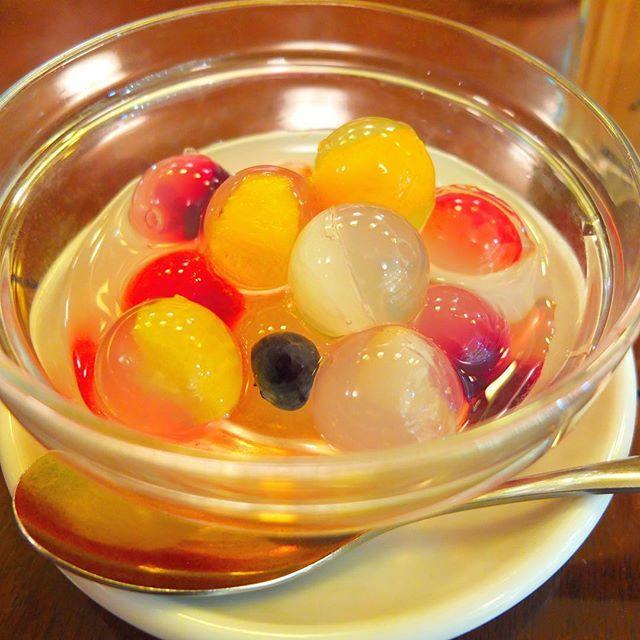 Pinを追加しました!/ルミネの中の中華カフェ。香港スイーツ果香。 ゼリーの中にフルーツたっぷり。かわいい。 #東京 #tokyo #おやつ #スイーツ #ゼリー #カフェ #カフェ巡り #ファインダー越しの私の世界