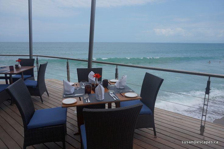 Hyatt Ziva Vallarta. Doesn't this look peaceful? e Enjoy breakfast while watching the waves.