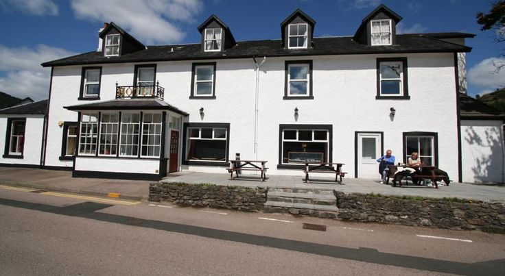 The Goil Inn Lochgoilhead The Goil Inn sits at the head of Loch Goil, a fjord-type sea loch within the Loch Lomond National Park, only one hour from Glasgow Airport.