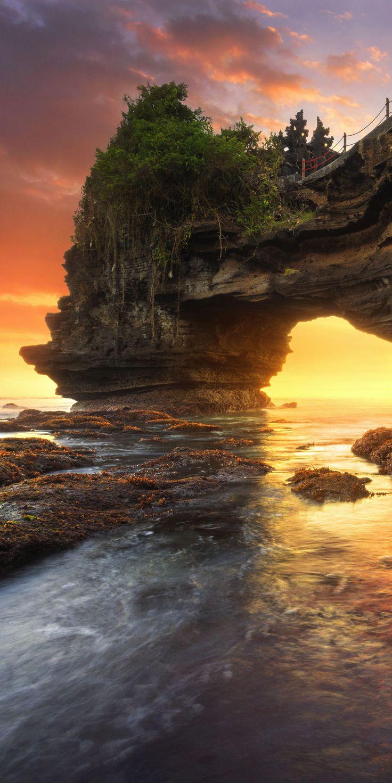 Batu Bolong & Tanah Lot, Bali, Indonesia