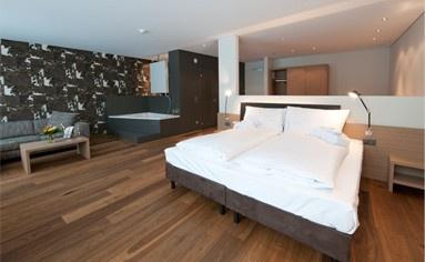 Traumhafte Zimmer und Suiten, super erschwinglich... möcht ich gaaanz bald nächtigen dort.   www.ramada-feusisberg.ch