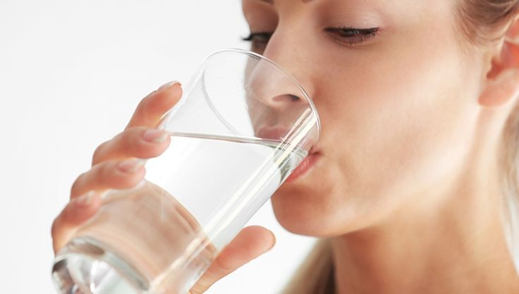 Ile litrów wody powinniśmy wypijać dziennie?