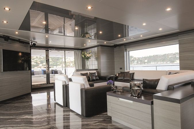 Benetti Iron Man - salon