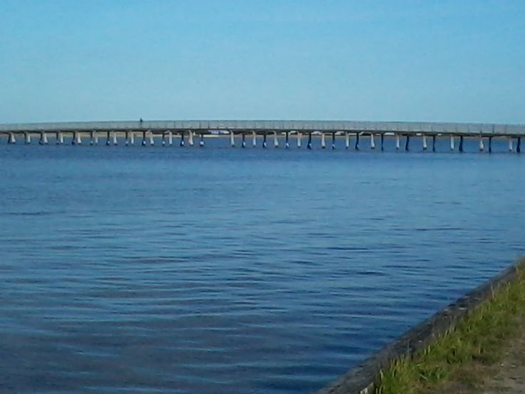 Vand og bro