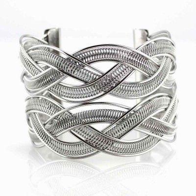 Ocelový náramek - Celtic / Twisted II. Odkaz na WEBSHOP: http://www.ocelovesperky4u.cz/ocelove-naramky/5788-pevny-ocelovy-naramek-celtic-twisted-II