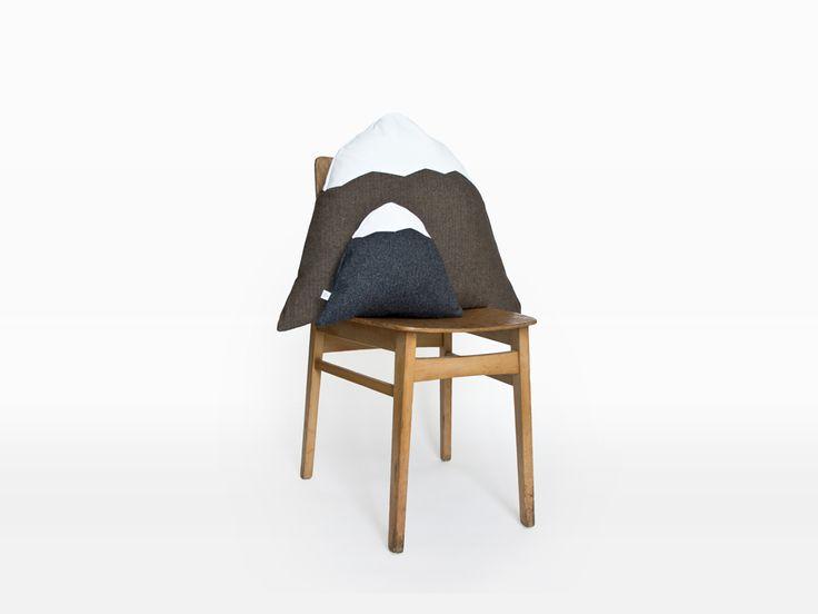 Markun Mountain Cushion