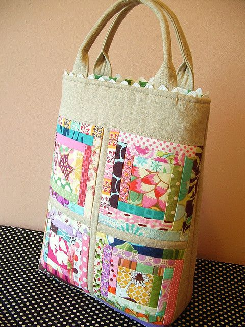 scrappy log cabin tote - I'd need mine to be a bit larger. Like the rick rack at the top.