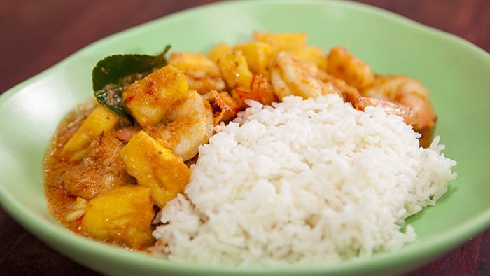 Poh's Prawn & Pineapple Curry @ Everyday Gourmet with Justine Schofield